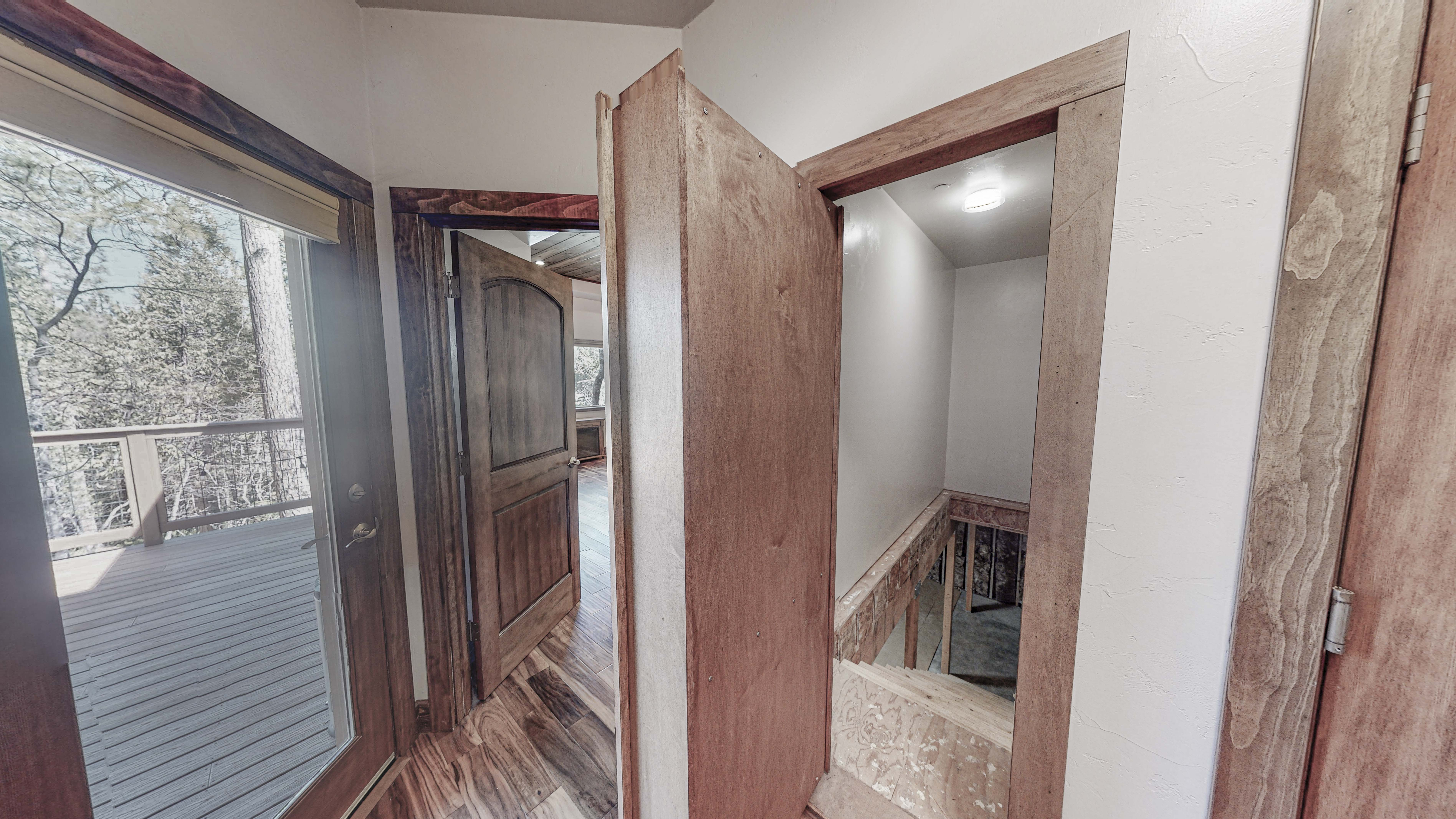 1_East-Murphy-Door-to-stairs