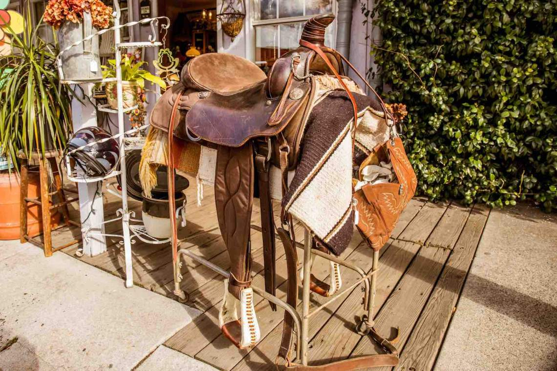 Jamestown, Saddle