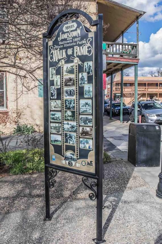 Jamestown, Walk Sign
