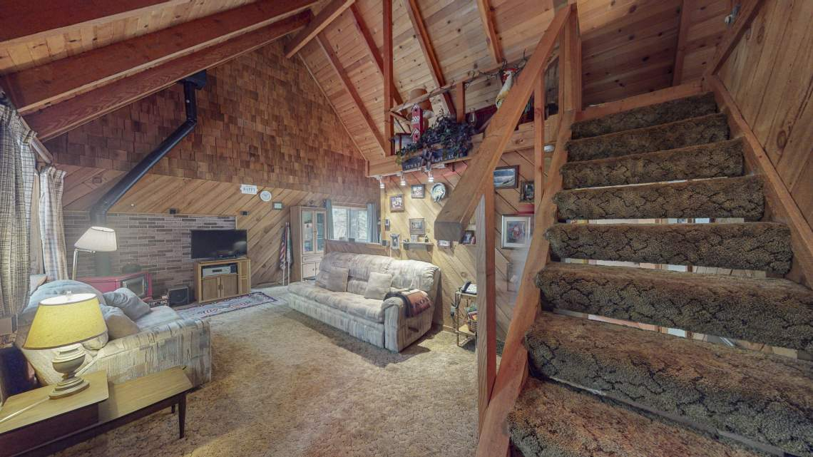 RB-Stairst-to-loft-USE